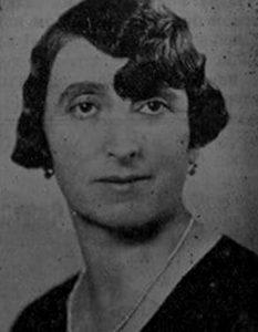 """Jelena Kon (1883-1942) bavila se dobrotvoprnim radom i osnovala humanitarnu organizaciju """"Kora hleba"""" (1925) i Dečje obdanište. Ove organizacije bile su otvorene za sve, bez obzira na versku i etničku pripadnost. Zahvaljujući njenom zalaganju izgrađen je novi Dom Kore hleba pod pokroviteljstvom kraljice Marije Karađorđević u kojem i danas radi obdanište. Jelena Kon ubijena je u novosadskoj raciji 1942."""
